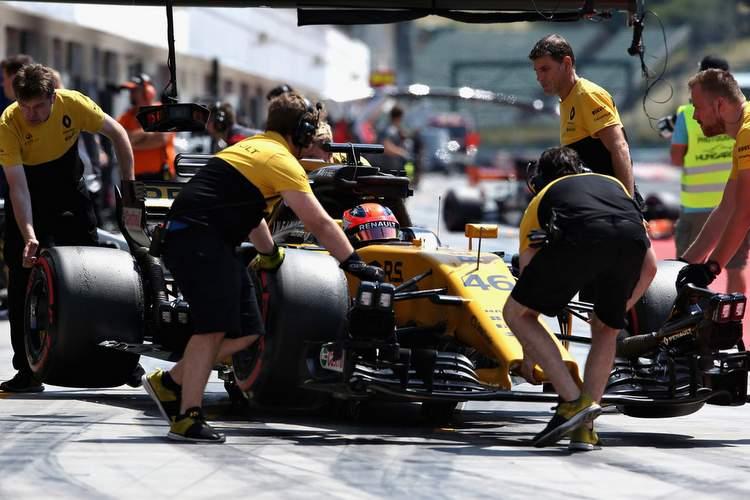 F1+Season+Testing+Budapest+Day+Two+psWjU9s7UIbx