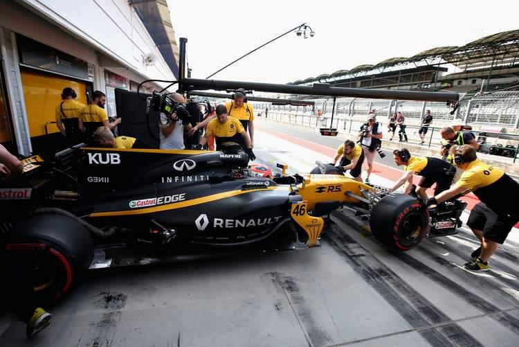 Robert+Kubica+F1+Season+Testing+Budapest+Day+-yysY-xDTfnx