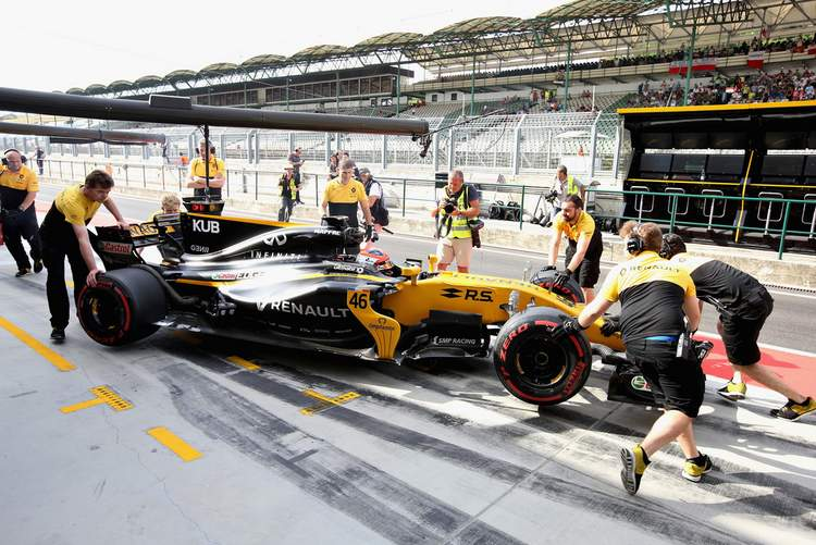 Robert+Kubica+F1+Season+Testing+Budapest+Day+qD8snYgbxyOx