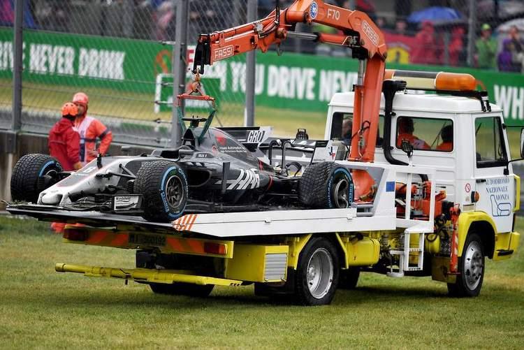 Grosjean crash-003