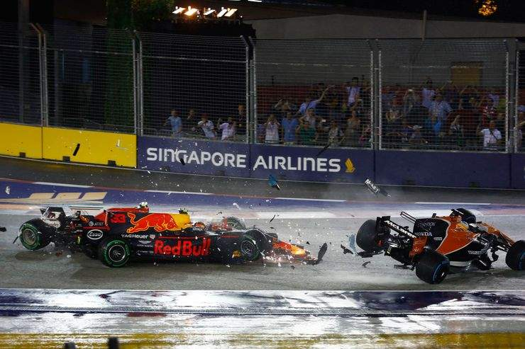 Max-Verstappen-Red-Bull-Kimi-Raeikkoenen-Ferrari-Fernando-Alonso-McLaren-GP-Singapur-2017-Rennen-fotoshowBig-3fd3195a-1119310