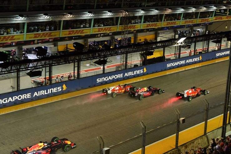 Start-GP-Singapur-2017-Rennen-fotoshowBig-6c42183e-1119305
