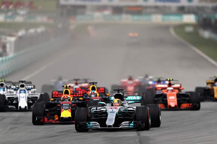2017 Malaysian grand Prix Race Photos-007