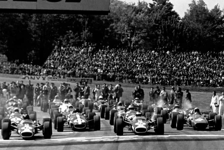 Dan-Gurney-11-United-States-Grand-Prix-1967-Watkins-Glen-1967