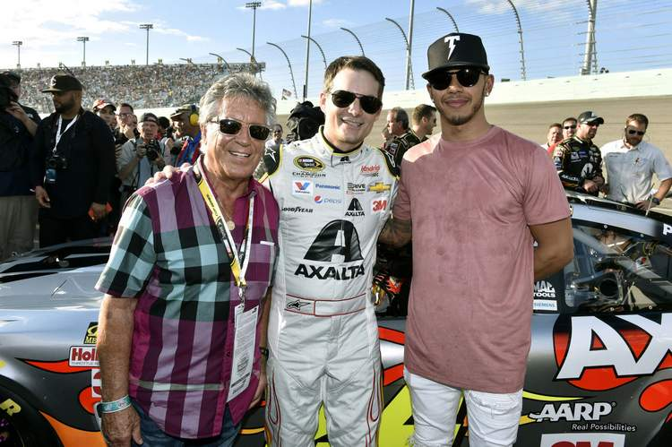 Lewis-Hamilton-Wants-to-Try-Driving-in-NASCAR