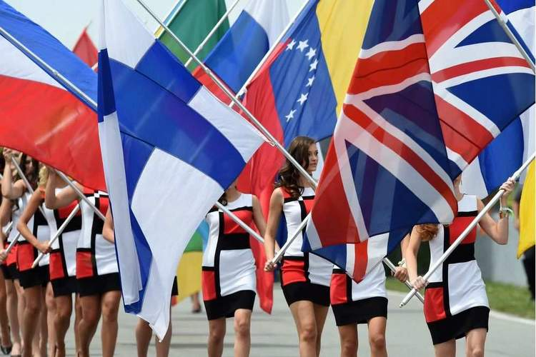flags grand prix grid girls