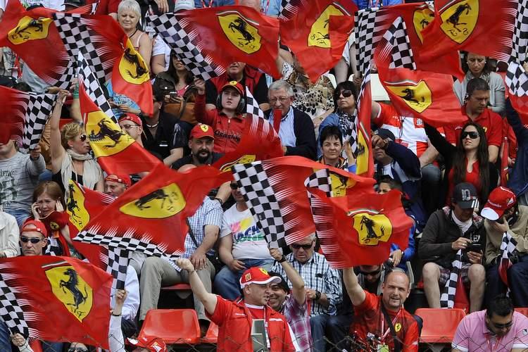 Ferrari, fans, flags