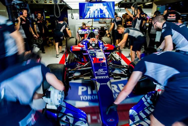 Pierre+Gasly+F1+Grand+Prix+Abu+Dhabi+Practice+y7r1kPkdiLrx