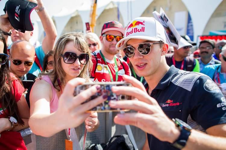 Pierre+Gasly+F1+Grand+Prix+Abu+Dhabi+Qualifying+9YXoy0C5vWWx