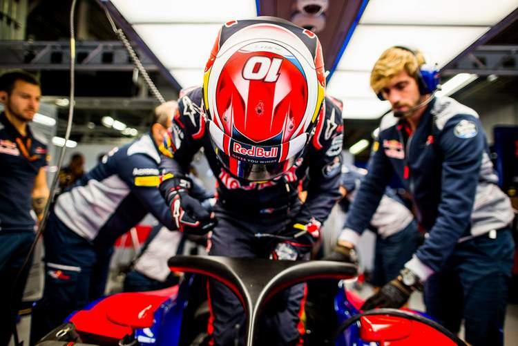 Pierre+Gasly+F1+Grand+Prix+Japan+Practice+SlNhbwcpfXfx