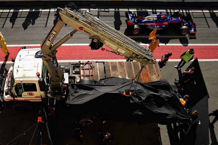 Fernando+Alonso+F1+Winter+Testing+Barcelona+FUVRp3sjejZx