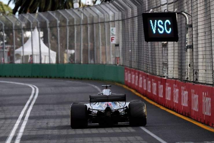 Lewis-Hamilton-Mercedes-GP-Australien-2018-Melbourne-Rennen-fotoshowBig-51eb1c31-1155247