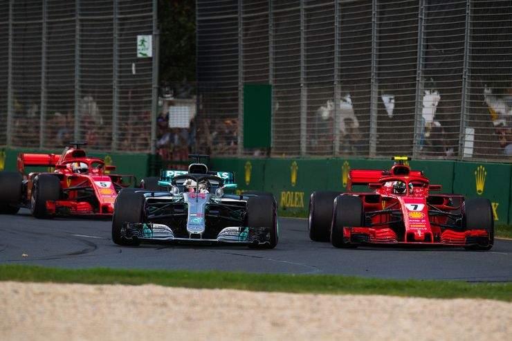 Lewis-Hamilton-Mercedes-GP-Australien-2018-Melbourne-Rennen-fotoshowBig-a2558f13-1155225