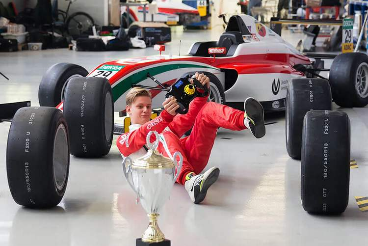 Schumacher: I could drive in F1 but it's still very unrealistic