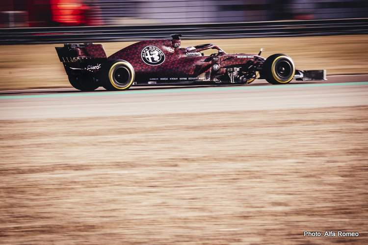 2019 F1 Alfa Romeo powered by Ferrari first photo 15-Feb-19 9-00-51 PM