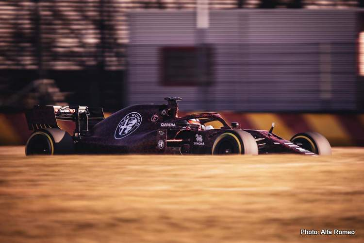 2019 F1 Alfa Romeo powered by Ferrari first photo 15-Feb-19 9-00-54 PM