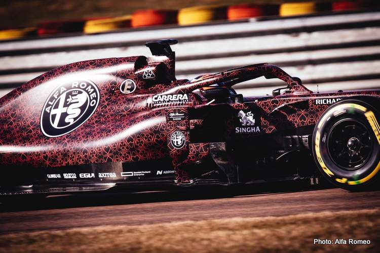 2019 F1 Alfa Romeo powered by Ferrari first photo 15-Feb-19 9-01-00 PM