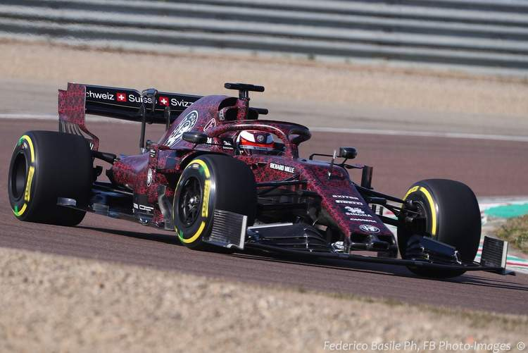 First photos of 2019 F1 Alfa Romeo out on track | GRAND ...