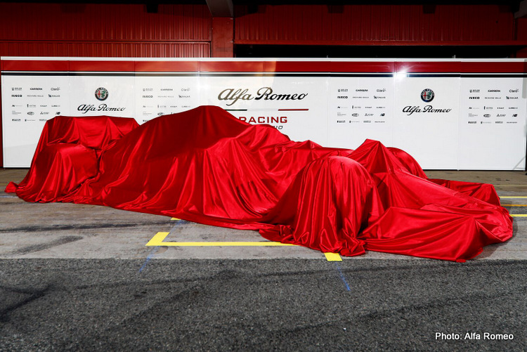 large-Alfa Romeo Racing C38 - Car Reveal-6