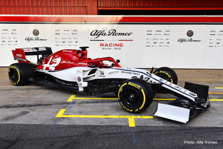 large-Alfa Romeo Racing C38 - Car Reveal-8