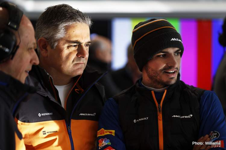 Gil de Ferran, Sporting Director, McLaren, with Carlos Sainz Jr., McLaren MCL34