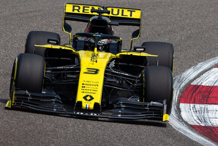 Renault: We need to resolve issues that could compromise our season