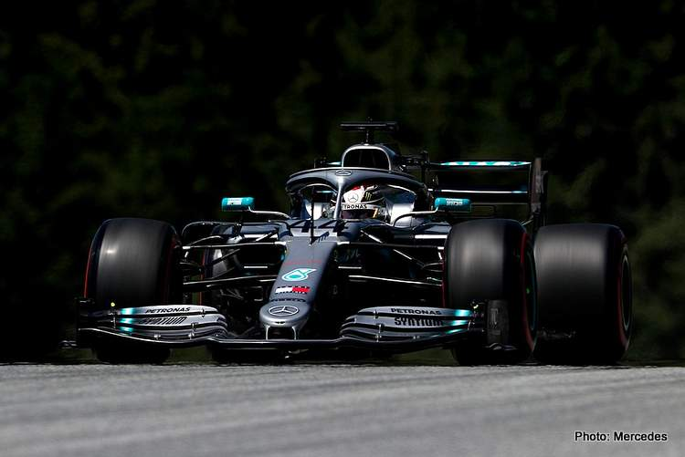 Austria FP1: Hamilton a tenth up on Vettel