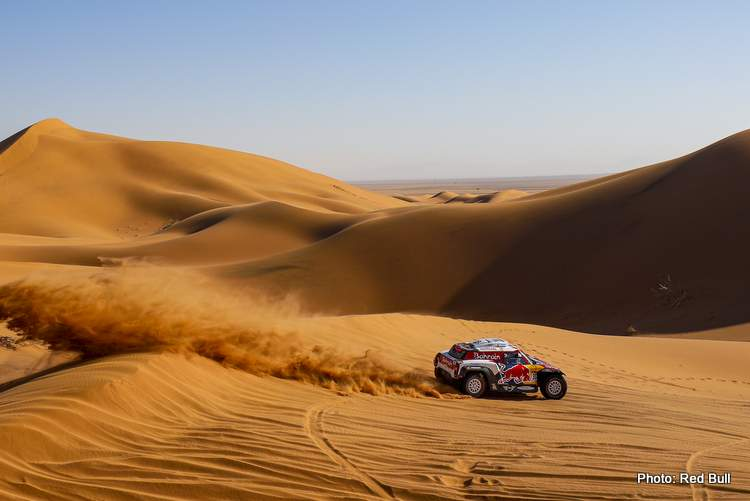 Stephane Peterhansel and Fiuza Paulo in the Mini Buggy of the Bahrain JCW X-Raid Team are accelerating on a dune during stage 7 of the Dakar Rally, between Riyad and Wadi Al-Dawasir, Saudi Arabia, on January 12, 2020. // Eric Vargiolu / DPPI / Red Bull Content Pool // AP-22SBK7GBH1W11 // Usage for editorial use only //