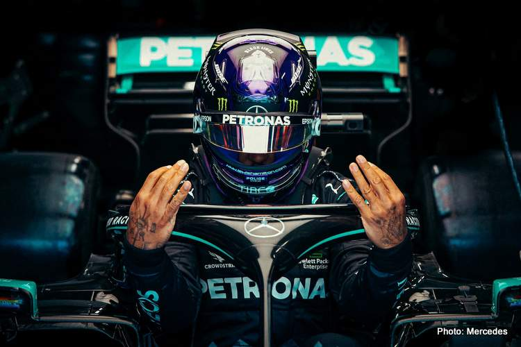lewis hamilton cockpit of mercedes