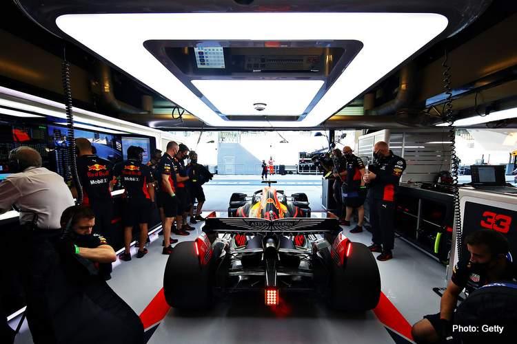 max verstappen pit garage