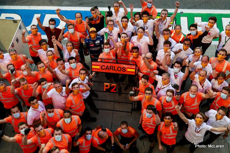 Carlos Sainz, McLaren, 2nd position, and the McLaren team celebrate their podium finish