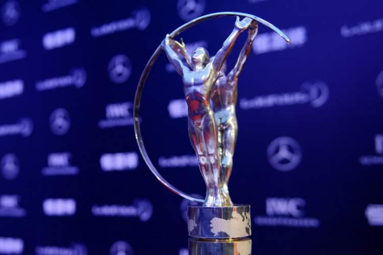 Die Laureus Trophäe ; The Laureus trophy;