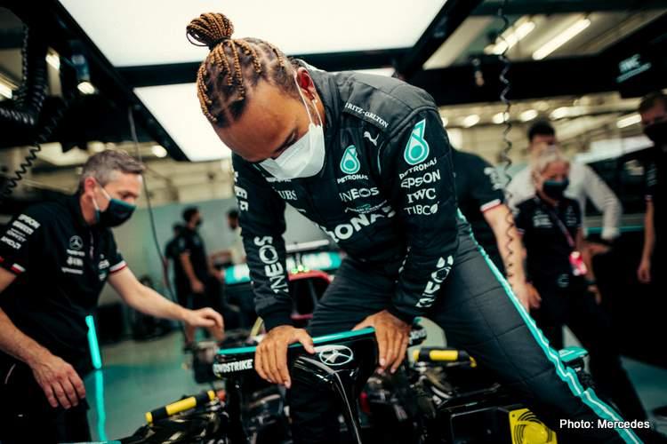 Lewis Hamilton climb cockpit mercedes bahrain 2021