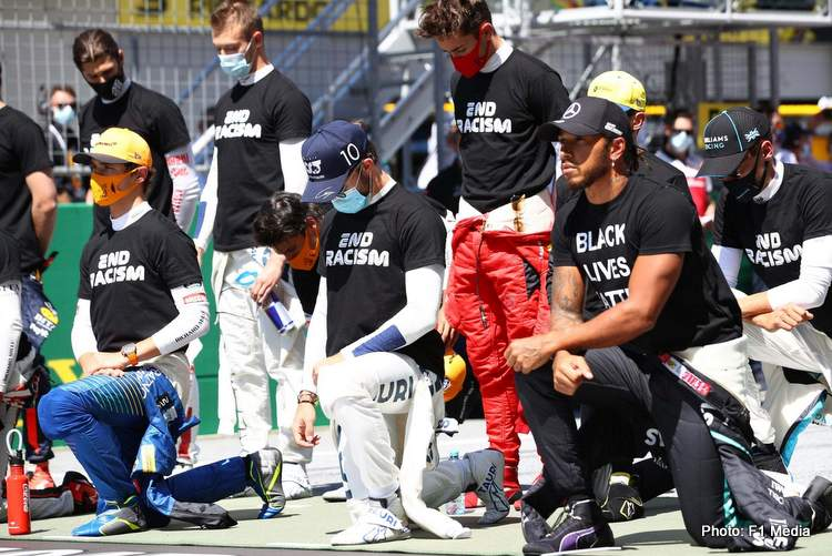 austrian grand prix 2020 lewis-hamilton takes a knee
