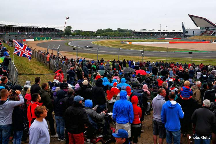 silverstone british grand prix fans