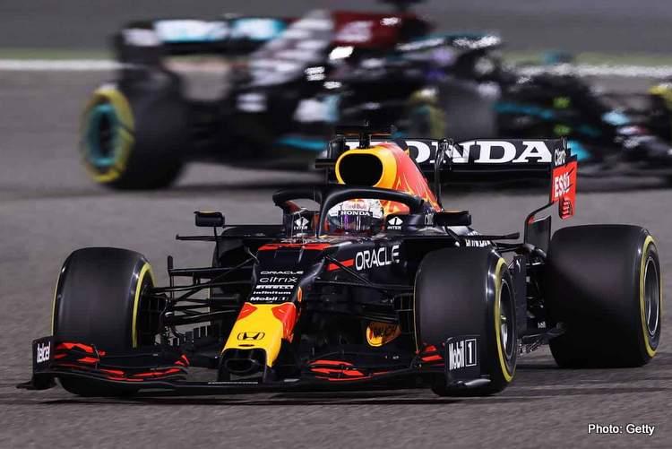 2021-Bahrain-GP-Verstappen-leads-Hamilton