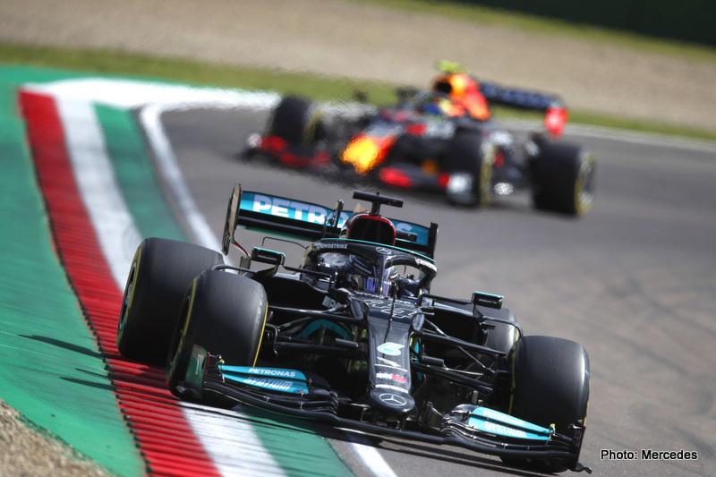 Hamilton 2021 Emilia Romagna Grand Prix, Friday - LAT Images