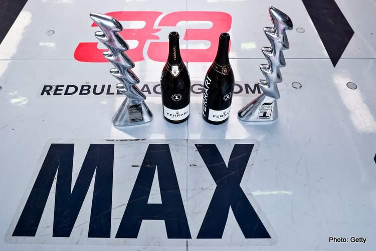 Verstappen Imola vainqueur du Trophée F1 2021 Victoire du titre garage