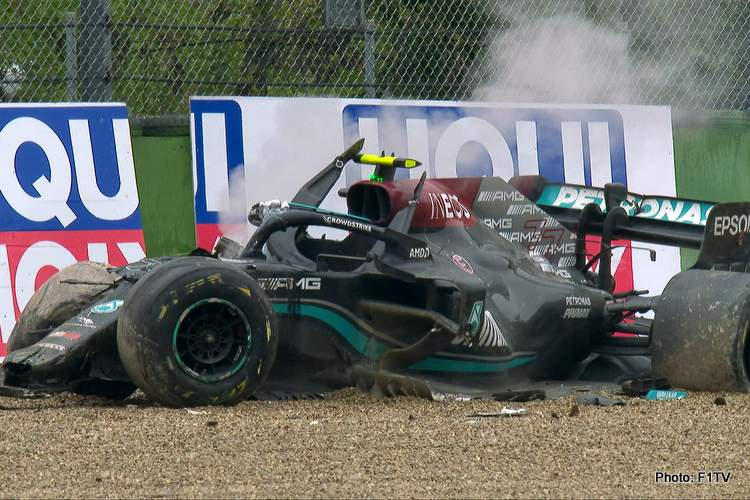 bottas crash photo