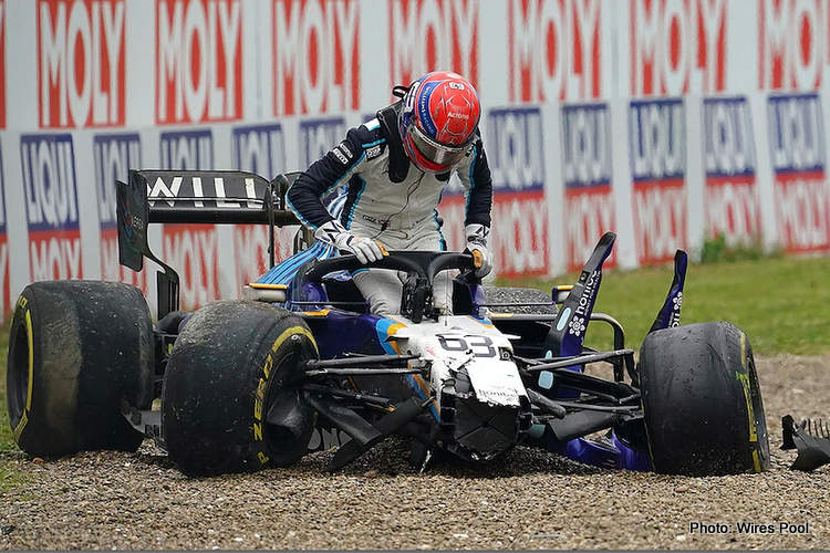 voiture accidentée russell imola williams mercedes wolff toto george