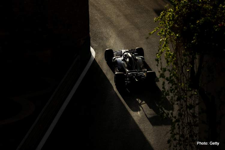 Verstappen Azerbaijan+F1+Grand+Prix+Qualifying+xhv6SxkgLW-x