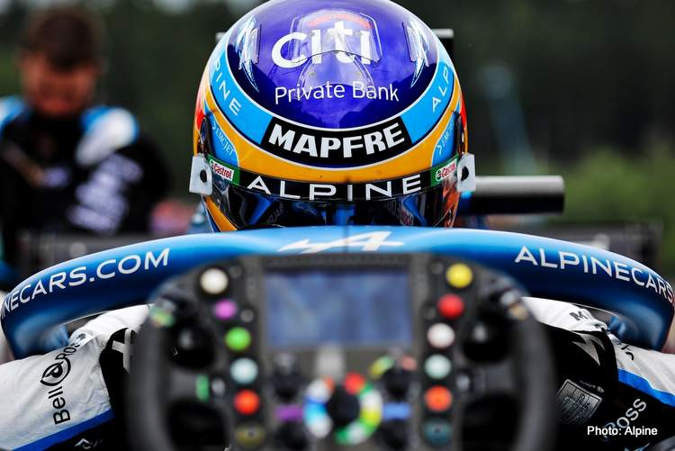 fernando alonso eyes on 2022 F1