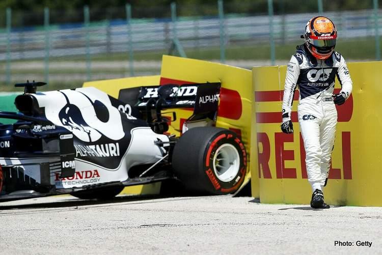 tsunoda crash hungarian grand prix FP1 alphatauri