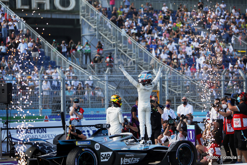Nyck de Vries (NLD), Mercedes Benz EQ, celebrates in Parc Ferme after securing the title