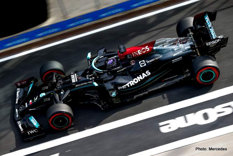 Hamilton predicts a tough race in Istanbul on Sunday